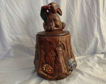 VINTAGE Cookie Jar Bunny Rabbit with Carrot ON A Tree STUMP Log Pottery Ceramic