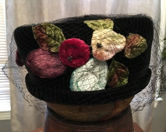 Volk Vintage Black Velvet Ladies Pillbox Hat