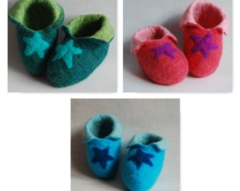Star Baby Booties - Handmade for your baby by Biddies in pink, blue and green!
