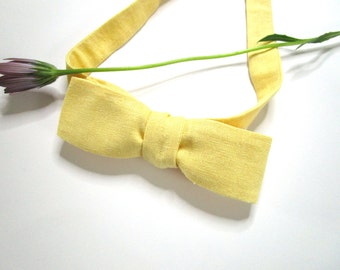 Linen Bowtie, Mens Skinny, Self-tie Bow Tie.  An attractive handmade Lemon Coloured Bowtie.  Ships Worldwide from France.