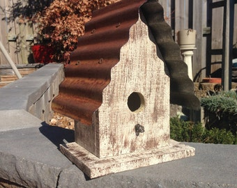 Rustic Style Tin Roof Bird House