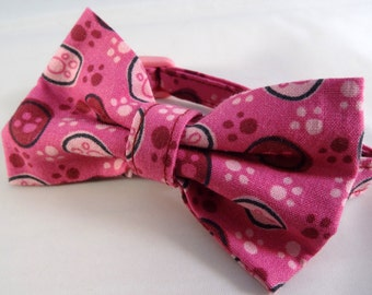 Cat bow // Pink paws print