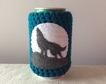 Howling Wolf Crochet Spirit Animal Cozy in Teal, Reusable Cup Cozy, Reusable Crochet Coffee Sleeve, Can Cozy, Coffee Cozy by Maroozi