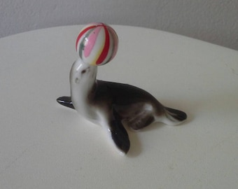 Itty Bitty Circus Seal with Ball