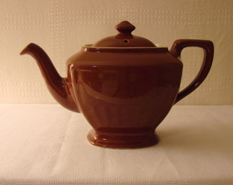 Hall Teapot > Rectangular and Fluted > Brown