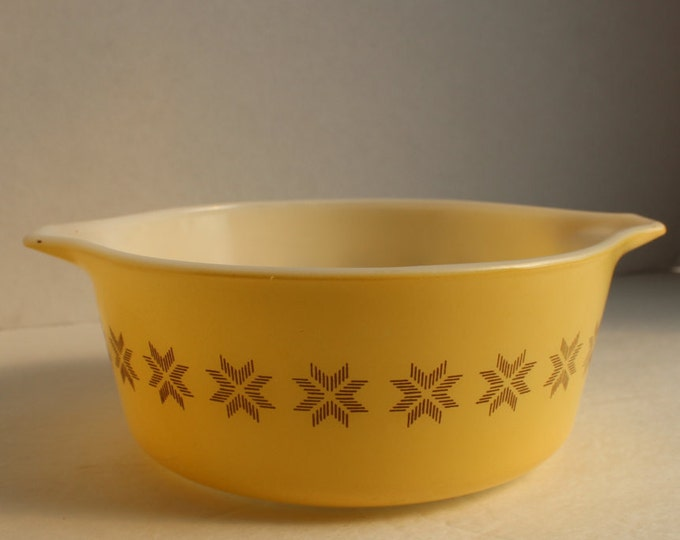 Vintage Yellow Pyrex 1 1/2 Pint Small Casserole Dish