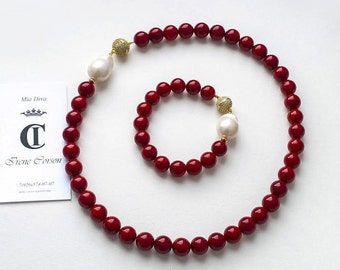 Necklace with a red coral and Baroque pearls