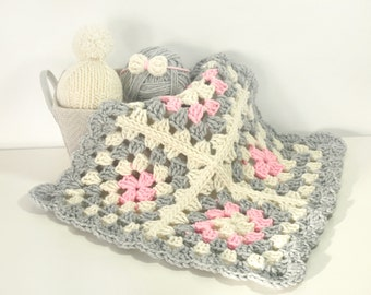 Crochet Baby Blanket- Photo Props- Chunky Knit Blanket- Newborn Baby Girl Blankets- Newborn Photography Props- Baby Hats- Baby Picture Ideas