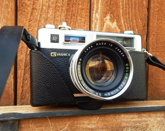 Yashica Electro GSN 35mm camera - Compact Rangefinder - Vintage SLR RC Camera Wide Lens and detachable case H 570397