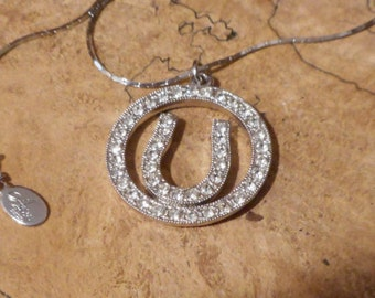 Stunning Vintage  Estate Silver Tone Lucky Horse Shoe Rhinestone Necklace with 18 inch chain !!