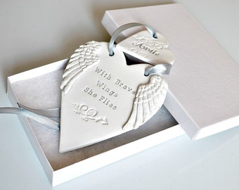 With brave wings she flies, Clay ornament with angel wings and inspirational quote, Miscarriage gift, Baby loss memorial, Bereaved mum gift