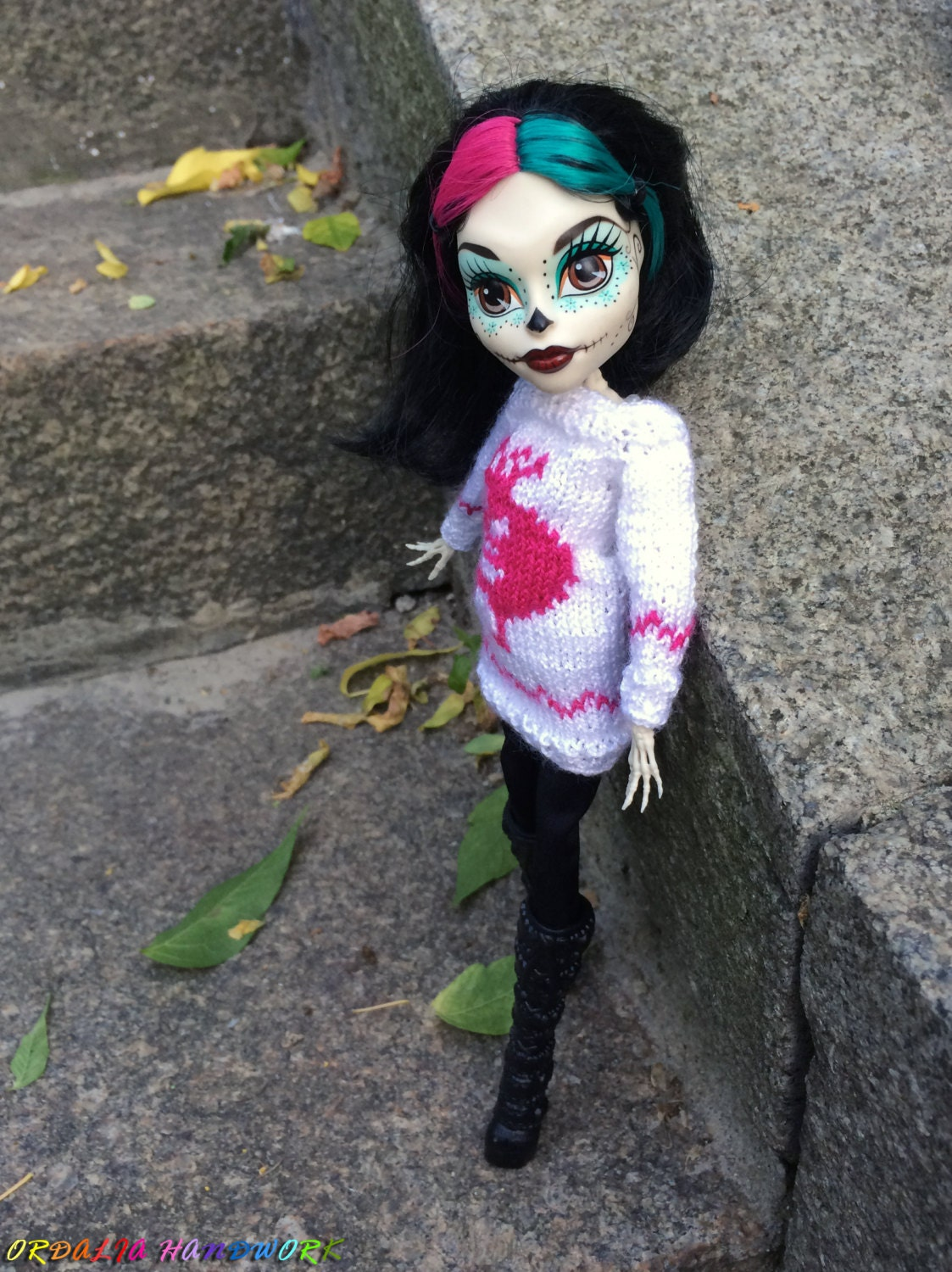 Monster High doll clothes. Knitted White Sweater with