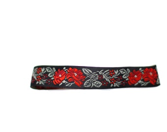 Red Rose Embroidered Choker