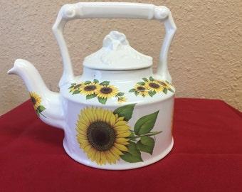 Arthur Wood Sunflower Teapot