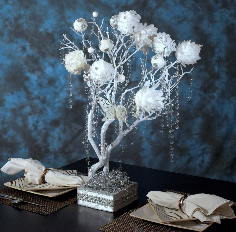 White silver manzanita tree wedding centerpiece