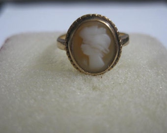10 k Cameo Ring