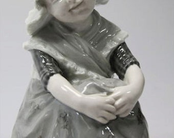 Gebruder Heubach antique (c.1910s) figurine of A Farmer's Wife. RARE!  Excellent. Made in Germany.