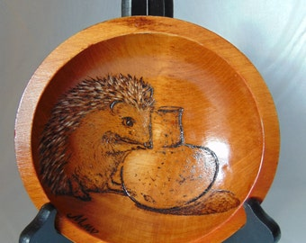 "FREE SHIPPING: Woodburning/Pyrography Bowl ""Hedgehog"""