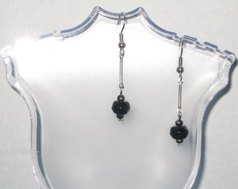 Drop Style  Black and Gunmetal Glass Bead  and Silver Bar Connector Earrings. (Costume Jewelry) (E-50)