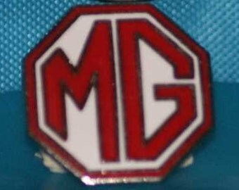 vintage MG marque hat pin and pin back  == 51