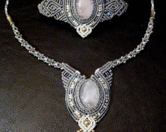 Macramé bracelet with Rose quartz