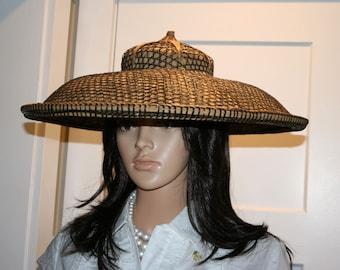 Asian Woven Rattan Sedge Hat//Conical Asian Hat//Straw Rickshaw Hat//Vintage Asian Hat