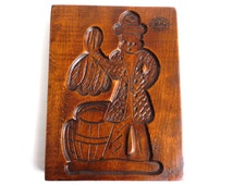 Wooden cookie mold with Tobacco Scenes. Wooden Cookie Mold. Tabacos Primeros, La Paz. Speculaas plank. #646G27FK6