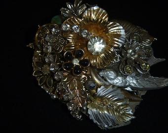 Bird brooch pin handmade