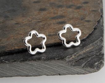 6mm Flower Studs, Tiny Earrings, Modern Jewelry, Flower Studs, Post Earrings, Sterling silver, Stud Earrings, Minimalist Earrings, Handmade