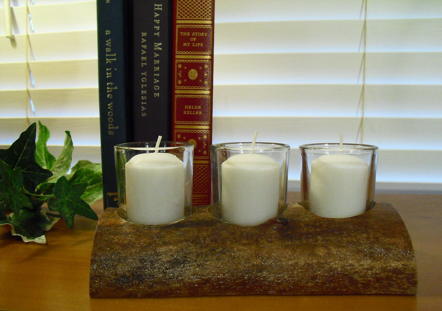 Centerpiece votive candle holder dining table