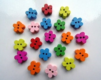 20 Wooden Flower Buttons #EB54