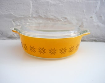 Pyrex Town and Country Casserole Dish 1 pint orange 471