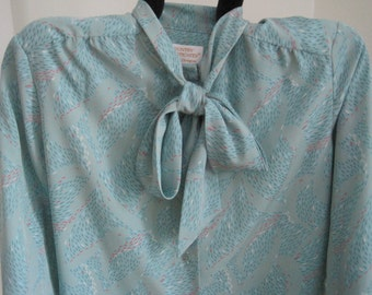 Country Sophisticates BLOUSE, Seafoam Green, Tie collar, Long Sleeve, Vintage