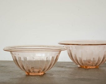 Set of 2 pink depression glass mixing/serving bowls