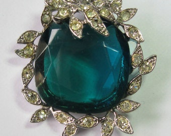 Vintage Brooch by Sarah Coventry.