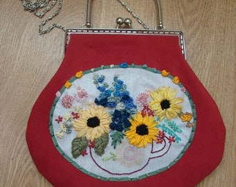 Hand-embroidered evening ladies handbag embroidered ribbons