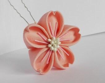Soft pink sakura kanzashi