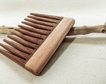 Modern Wooden Comb, Walnut and Maple Handle. Hair Comb, Beard Comb. Made in Montreal by LostFoxIsland.