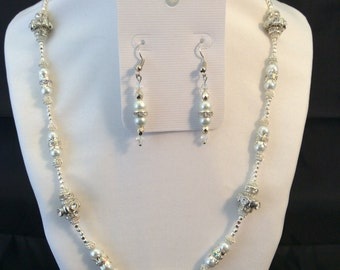 Necklace and Earrings - Beautiful Elegance