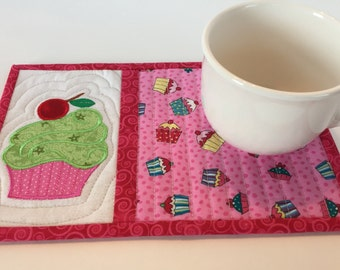 Cupcake Mug Rug, snack mat