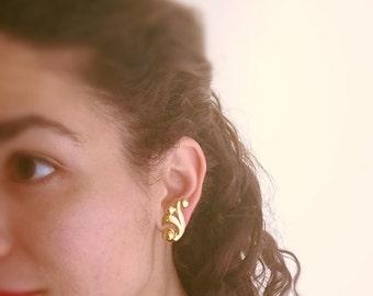 Vintage 1950s Monet Signed Earrings/Glamorous Earrings/ Gold Monet Earrings