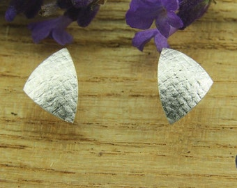 Earrings Silver 925 /-, triangle 9.5 mm, linen textured