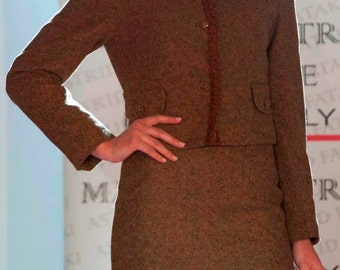 Vintage suits, Chanel jacket, sheath Audrey Hepburn/Tailored elegant with Chanel Jacket