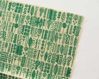 Totem - Green - Hand Screenprinted Fabric - Summersville - 9.5 x 14 inches - Destash