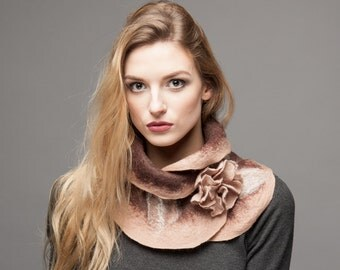 Scarf felt - Ruffled wavy collar - Beige nude brown mix colors - Soft merino wool - Gift under 50