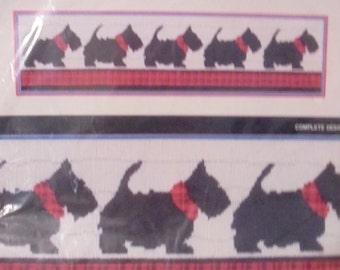 "THE SCOTTIES-Dog w/ plaid longstitch kit-Horizons-persian wool yarn-24"" x 6""-NEW"
