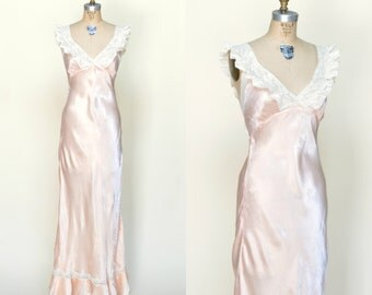 1940s Nightgown --- Vintage Pink Bias Cut Nightie