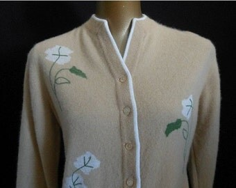 JULY SALE Vintage 50s Intarsia Knit Cardigan Sweater - 1950s Darlene Floral Minkham, Size S to M