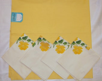 Vintage Wilendure Tablecloth & Napkins Yellow Roses MWT
