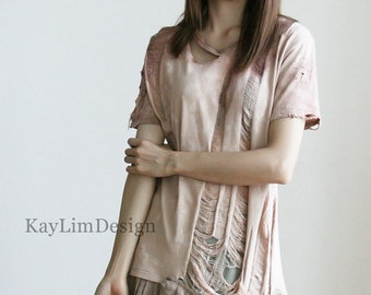 Tattered top / jersey tshirt / short sleeve top / shredded tshirt / stained top / tunic top / loose tunic - KT597